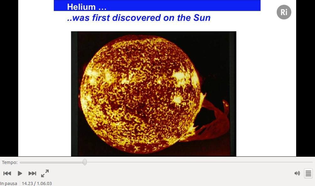 Il Sole visto attraverso la linea spettrale che caratterizza l'elio